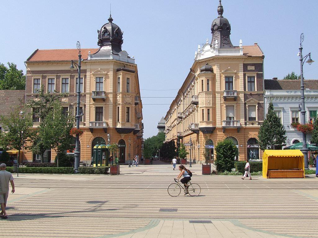Debrecen Pictures Photo Gallery Of Debrecen High