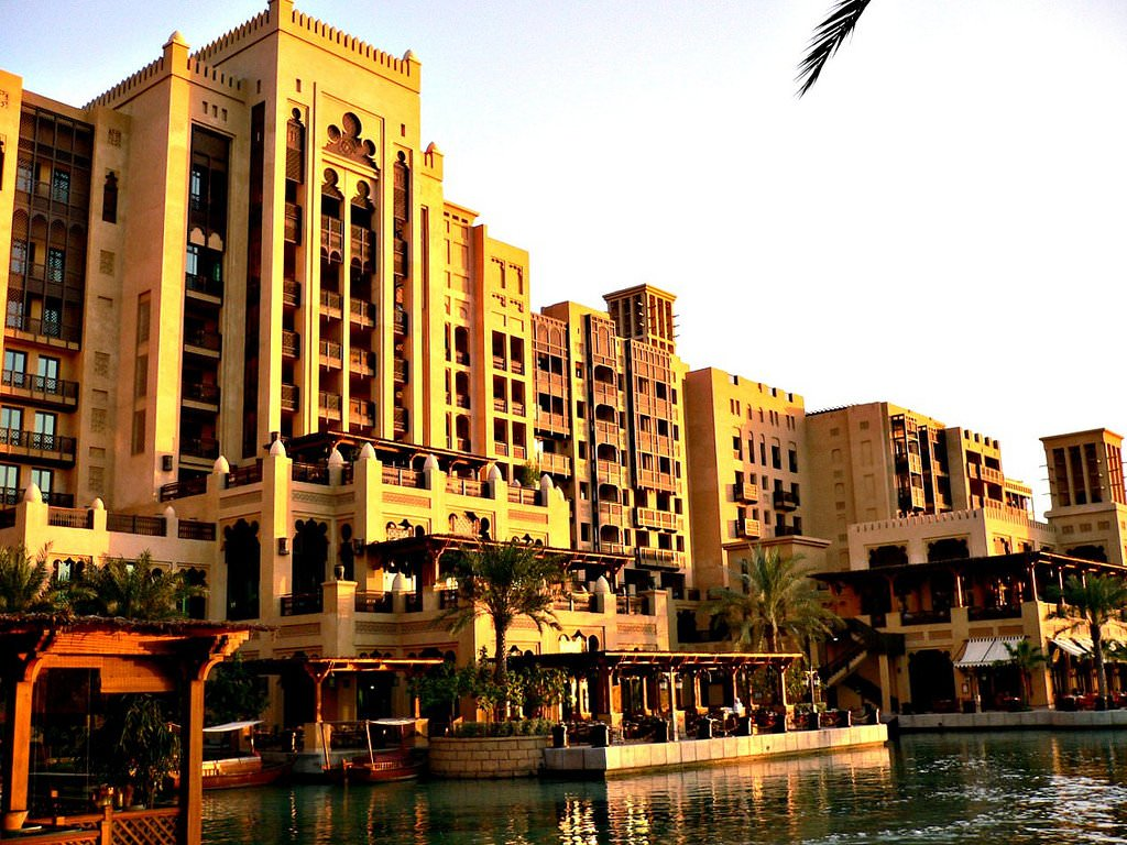Dubai region travel guide things to see in dubai region for Places to stay in dubai