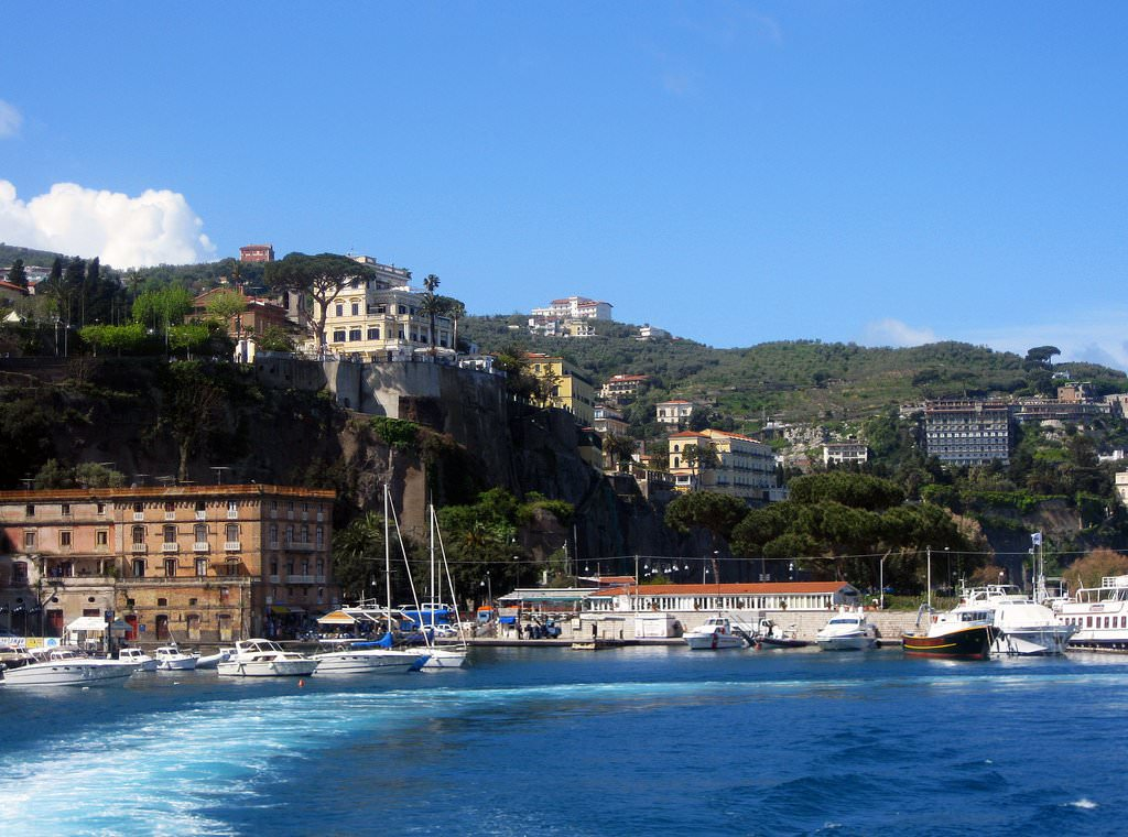Hotels In Sorrento With Family Rooms