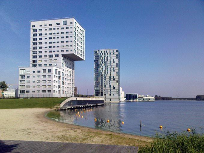 Langs het Weerwater in Almere-Stad