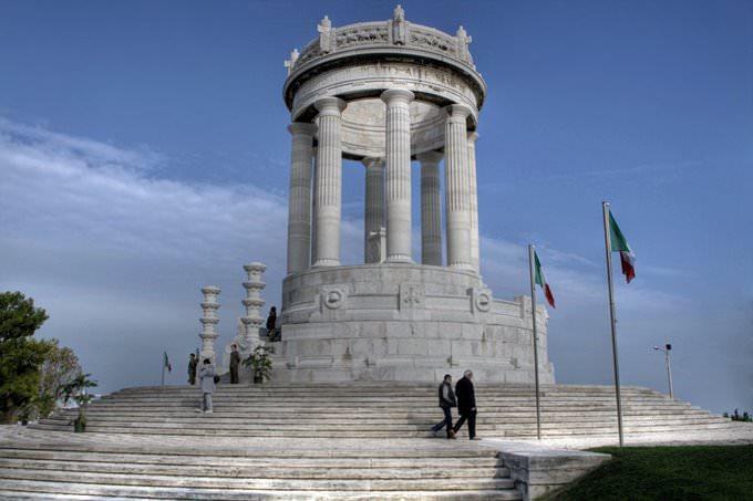 Il monumento al Passetto