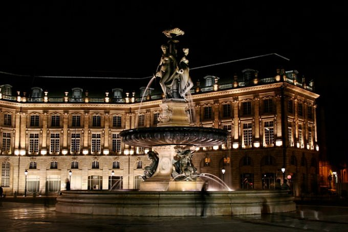Place de la Bourse by night