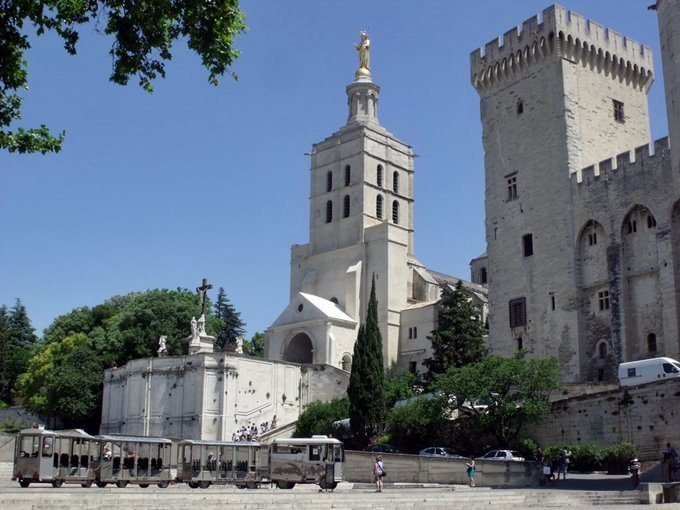 Avignon Cityguide Your Travel Guide To Avignon