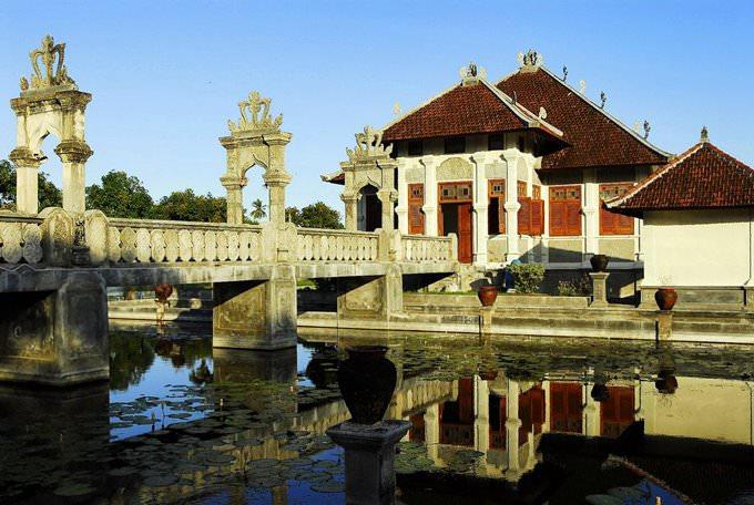 Bali-Indonesia-Ujung-Water-Palace