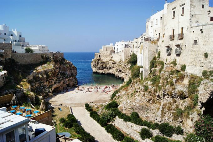 White Cliffs, Bari, Italy