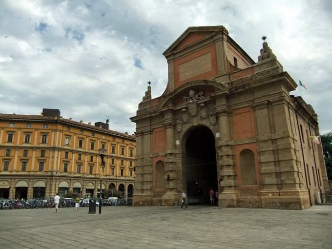 Bologna - Porta Galliera