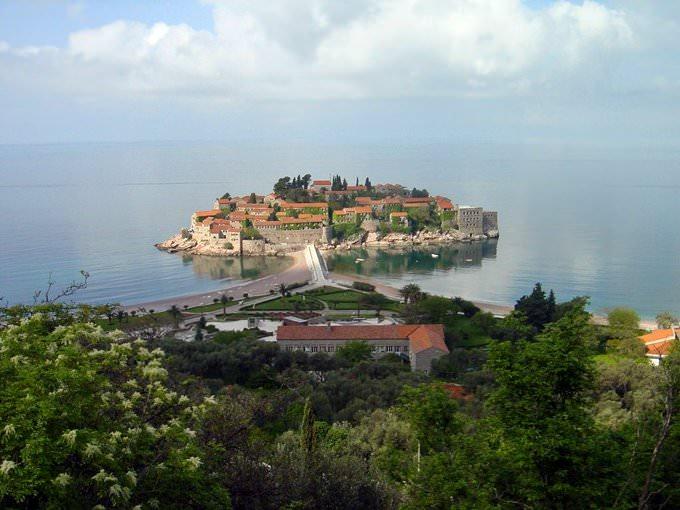 Svetni-Stefan Island