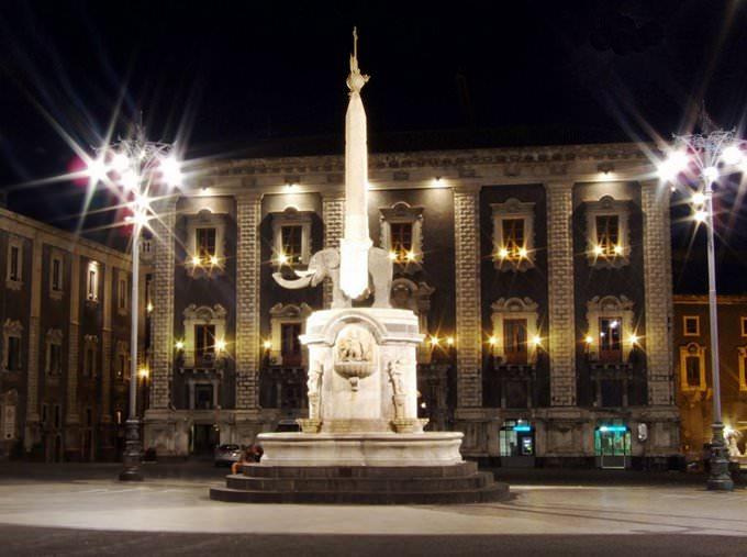 Piazza Duomo-Catania-Sicilia