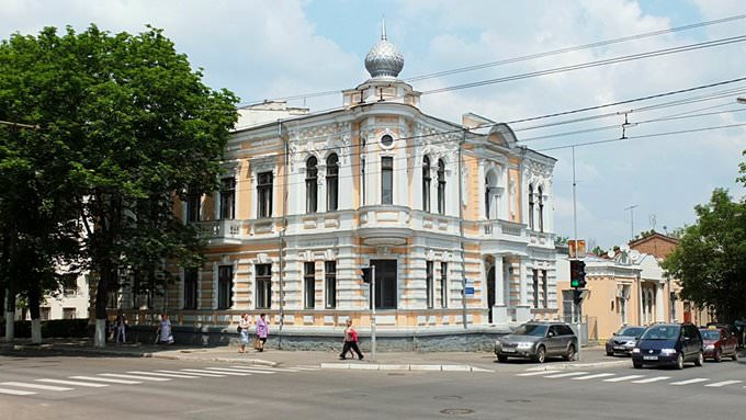 Old building at Bucuresti and Lazo Streets