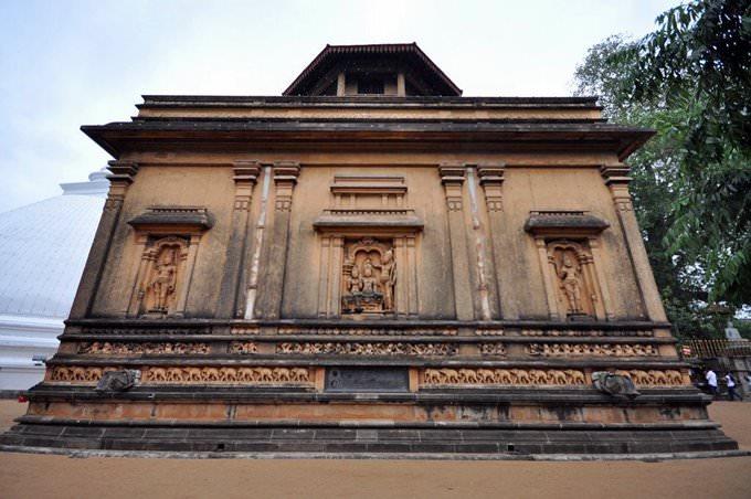 Kelaniya Temple (Kelaniya Raja Maha Vihara)