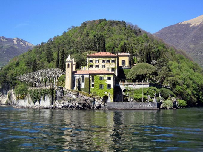villa on como lake
