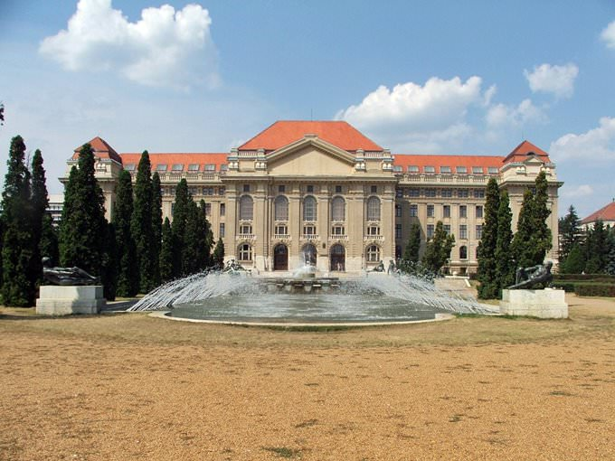 Universität Debrecen