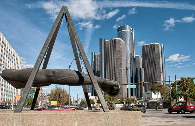 Detroit - Fist