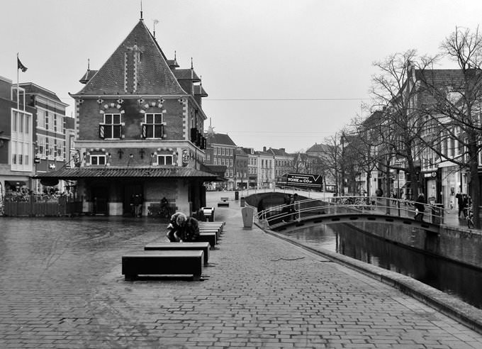 Ljouwert \/ Leeuwarden