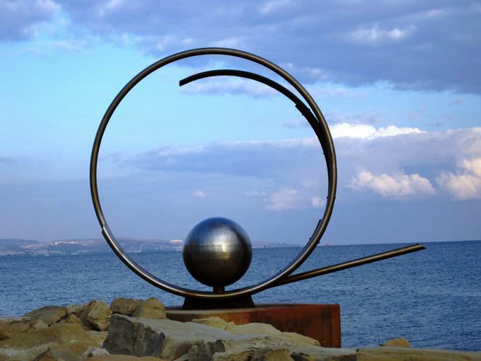 Steel, circular sculpture