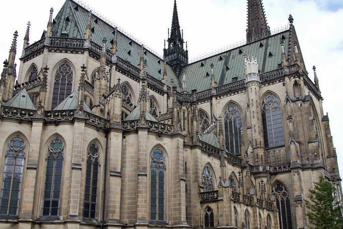 Exterior de la catedral nueva de Linz o de la Virgen María