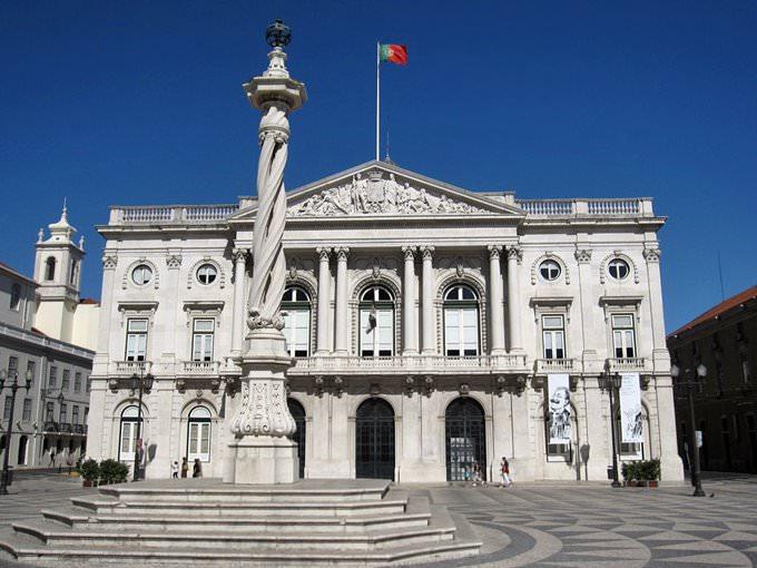 Lisbon City Hall and pillory