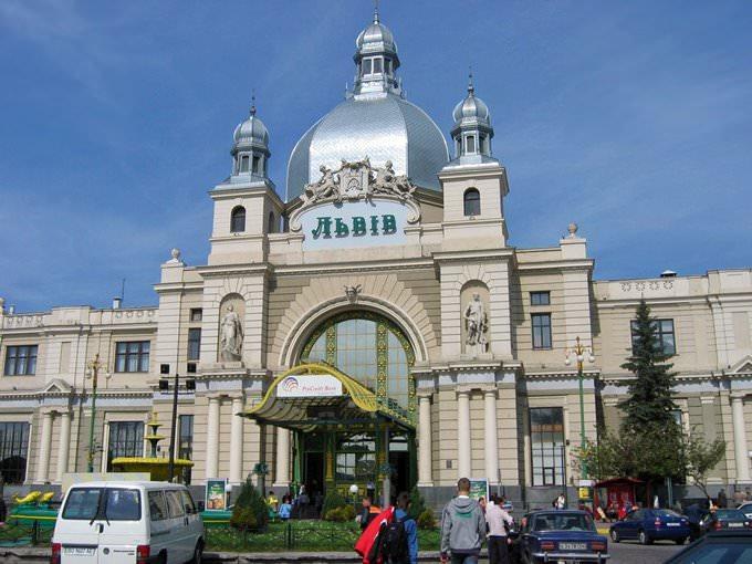 Rent a car in ukraine lviv 10