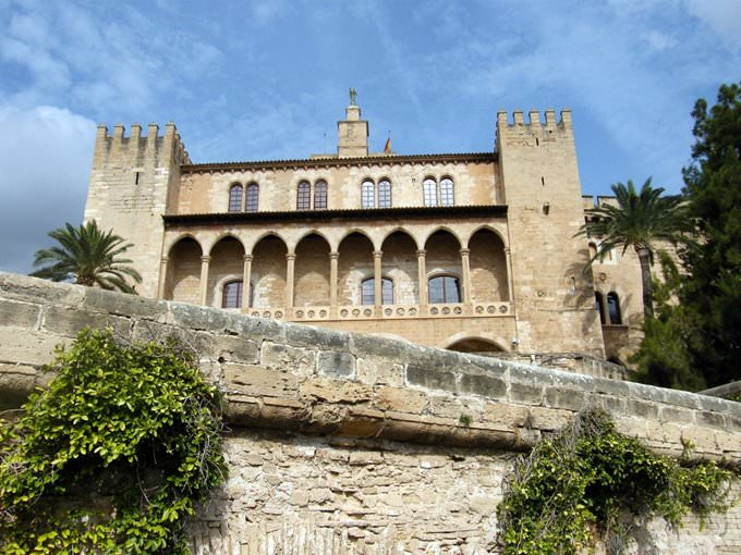 Palma de Mallorca, the capital of the spanish island of Mallorcф