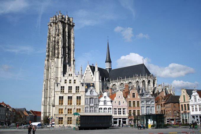 Mechelen: Groote Markt & Sint-Rombouts Kathedraal