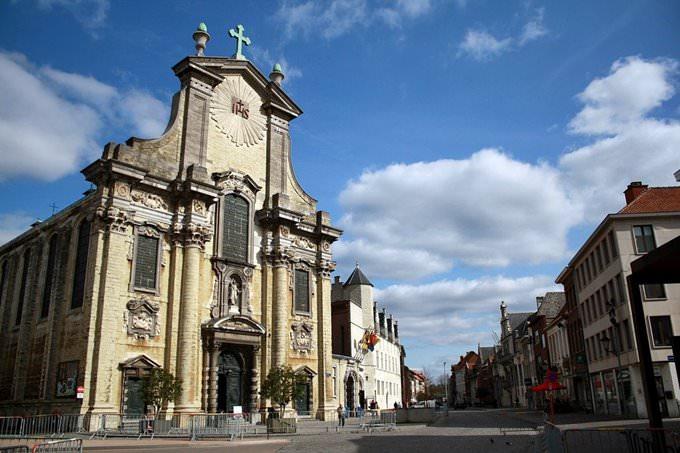 Mechelen: Sint-Pieters-en-Pauluskerk