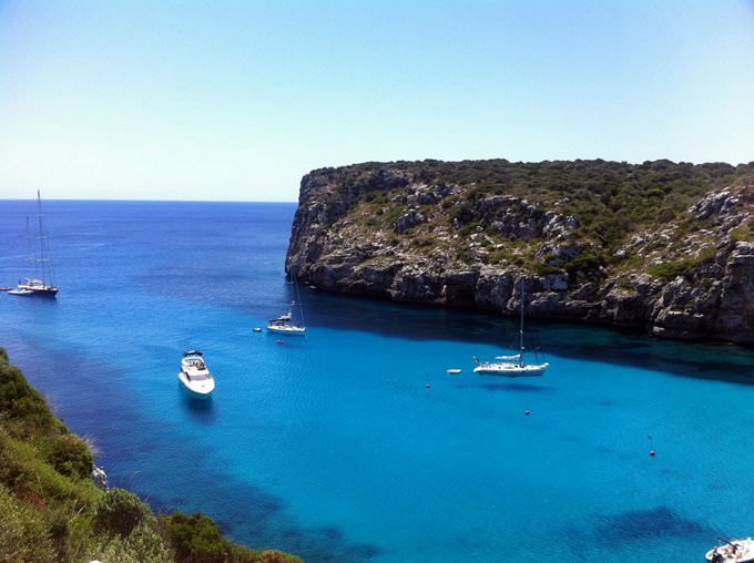 Looking out, Cala