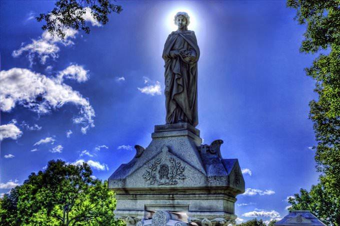 Santa Maria Vergine Madre, Lakewood Cemetary