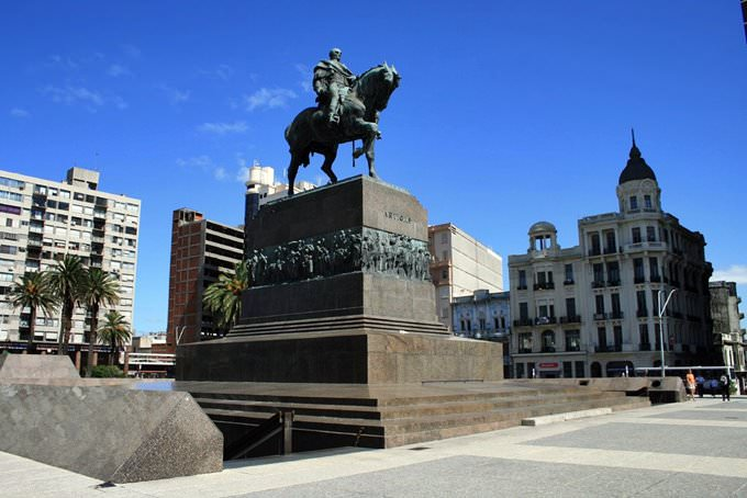 Montevideo - Plaza de Independencia