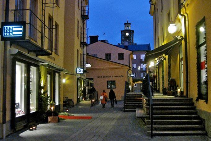 Knäppingsborg IV: Alley