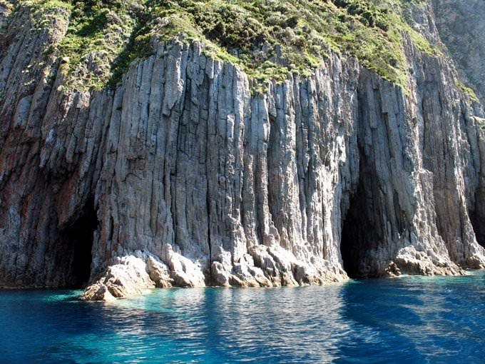 Isole Pontine - Palmarola La Cattedrale