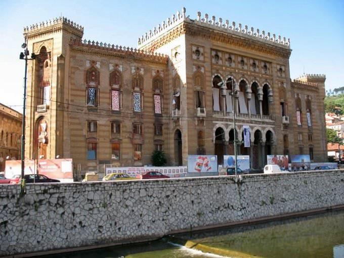 Bibliotheek van Sarajevo / Stadhuis