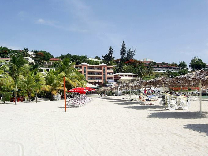 Kim Sha Beach, Simpson Bay