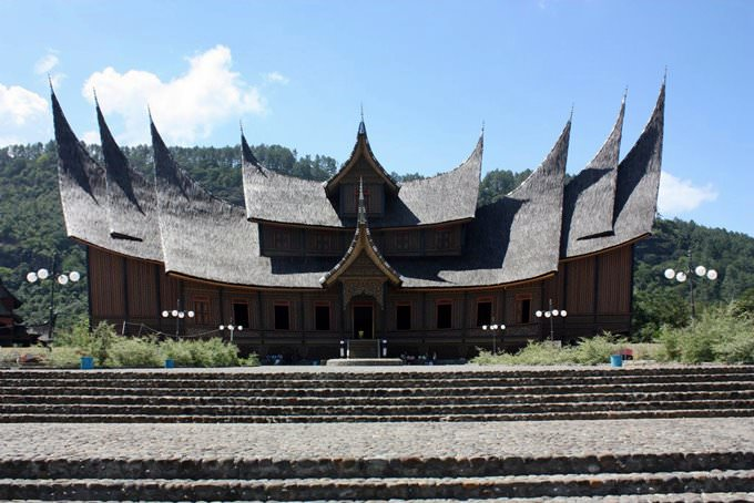 Around Bukittinggi, Istano Silinduang Bulan (Queens Palace)