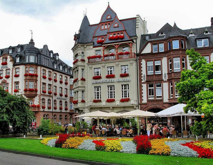Roemischer Kaiser Hotel