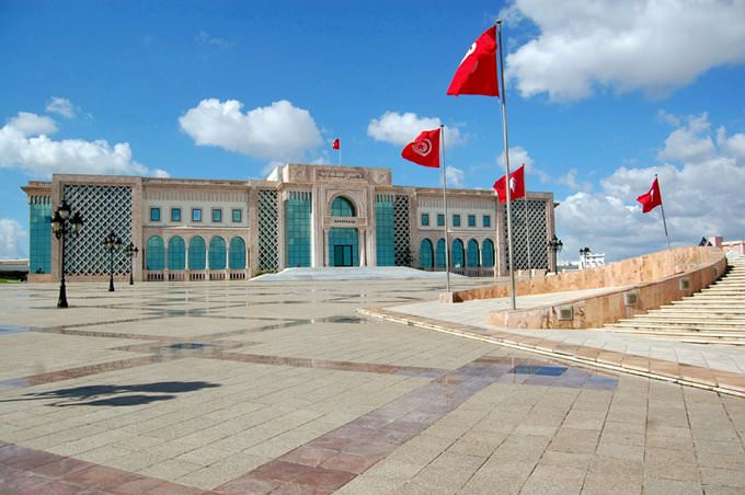 Alles ber tunis reisef hrer sehensw rdigkeiten in for Salon 5 etoiles tunisie