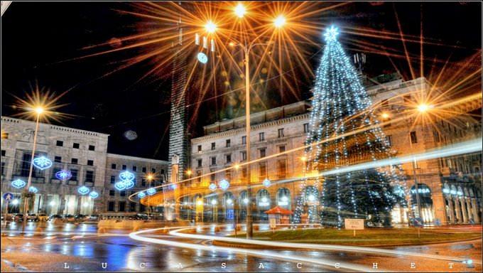 Piazza Monte Grappa natalizia. Varese.