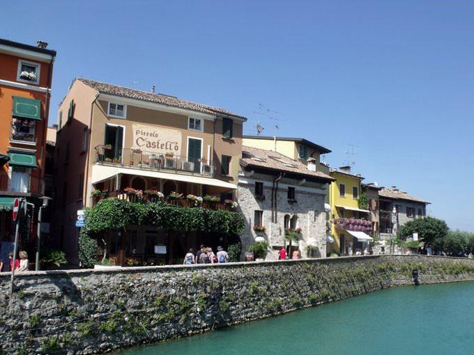 Sirmione - Castello Scaligero - restaurants near the castle - Piccolo Castello