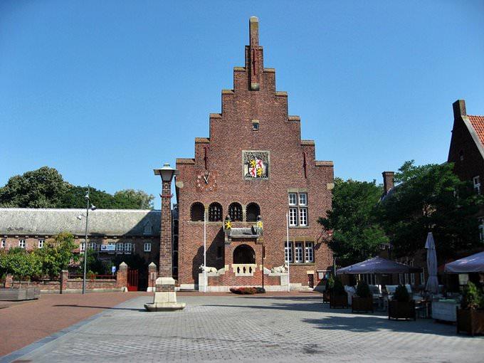 Waalwijk NBr Stadhuis