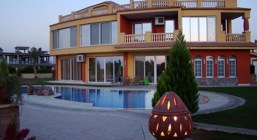 Фотография отеля Ofok Luxury Villa