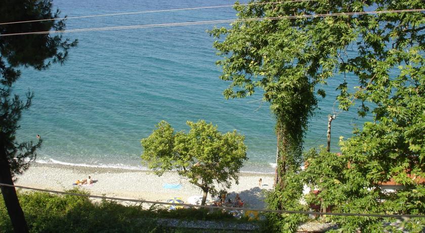 Дом в остров Платамонас недорого с фото