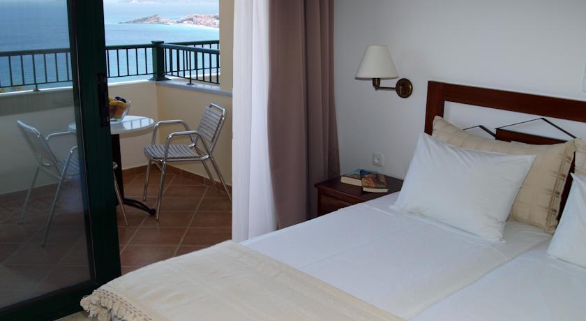 Отель в Коккари на берегу моря