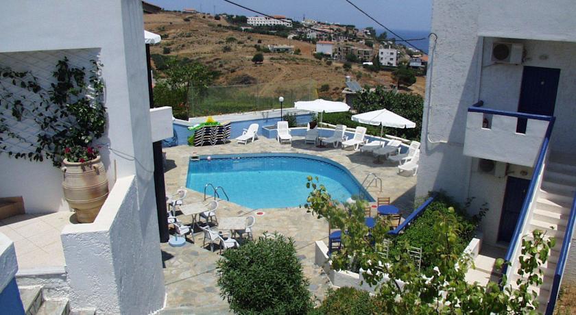 Отель в Ворас на берегу моря