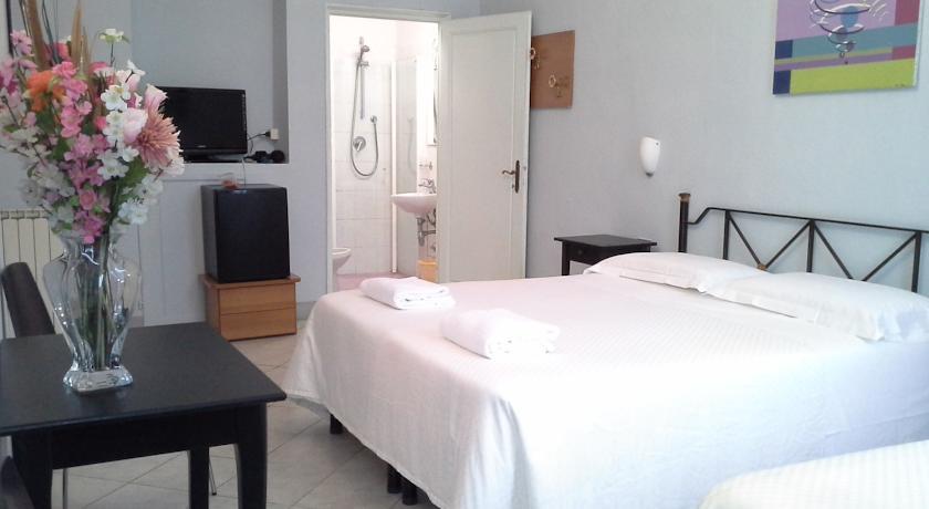 Отель Soggiorno Santa Reparata, Флоренция | Цены, фото, отзывы и ...