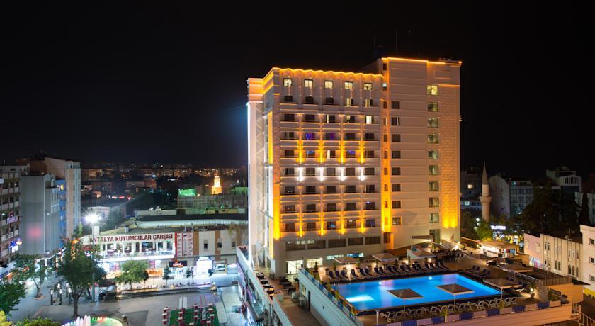 Фотография отеля Best Western Plus Khan Hotel