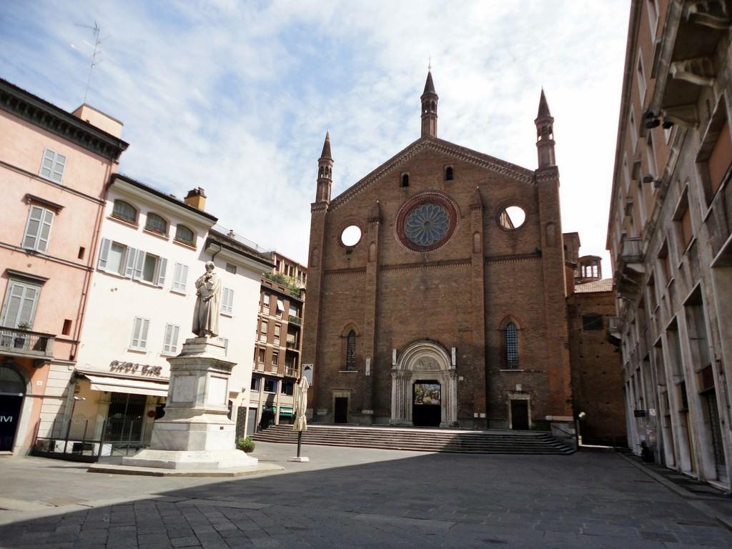 Galerie de photos de Plaisance (Italie) sur OrangeSmile.com